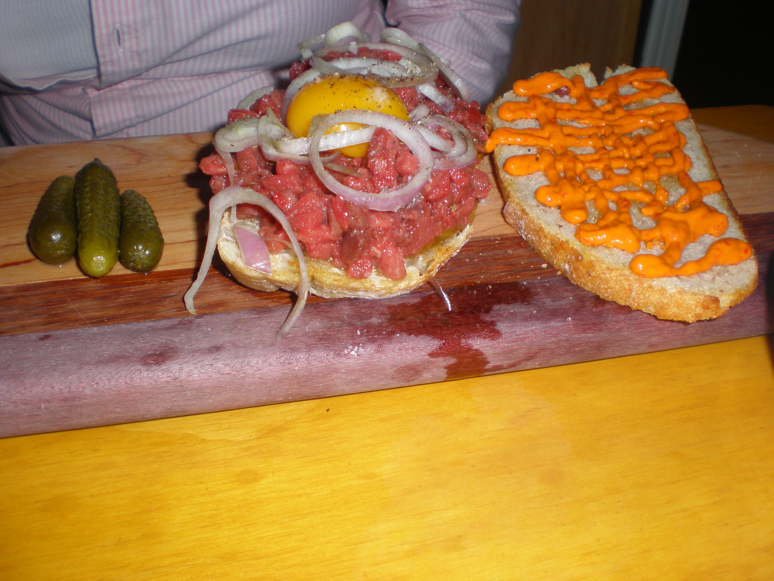 Raw bison (substituted for horse) sandwich